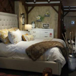 paintedwesternmaple-truewhite-bedroomsuite